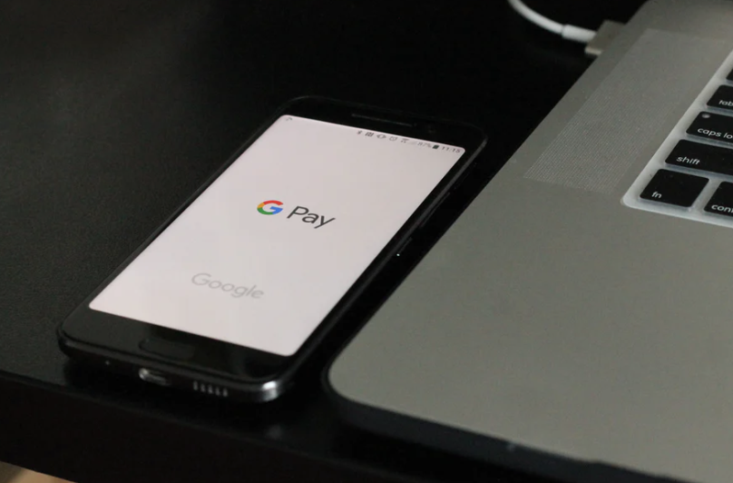 Elektroniczny portfel Google, czyli jak działa Google Pay - kobbieciarnia